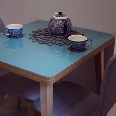 Stolik śniadaniowy SOLO w kolorze turkusowym