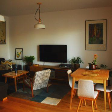 Salon - stół rozkładany SOLO, stolik kawowy PUZZLE mini i komoda TV